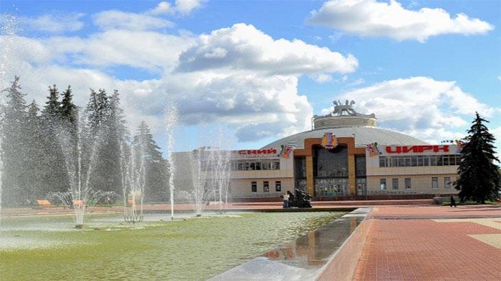 Фонтан на цирковой площади Курска