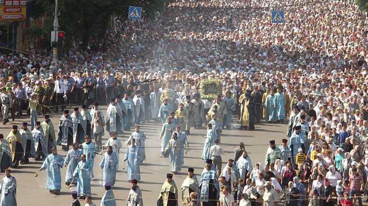 Крестный ход с иконой Знамение курская Коренная