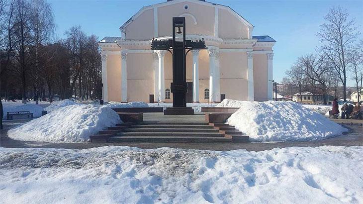 Памятник героям железнодорожникам Курска