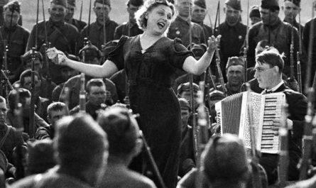 Легендарные песни времен Великой Отечественной войны